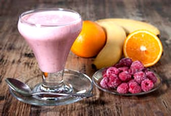 Banana, Orange and Raspberry Delight Smoothie